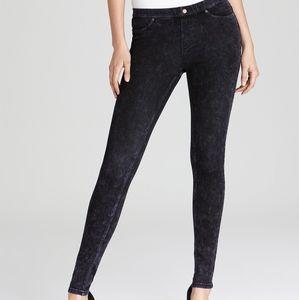 Hue dirty denim aubergine jeans size Large